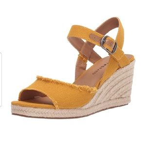 🍀Lucky Brand Mindra wedge espadrille . Size 9M